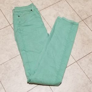BDG green cigarette high rise Jeans 26 X 34